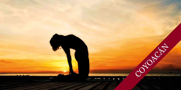 Clase Especial de Yoga para cerrar la semana, Viernes 10 de Agosto 2018, a las 19:30 hrs.
